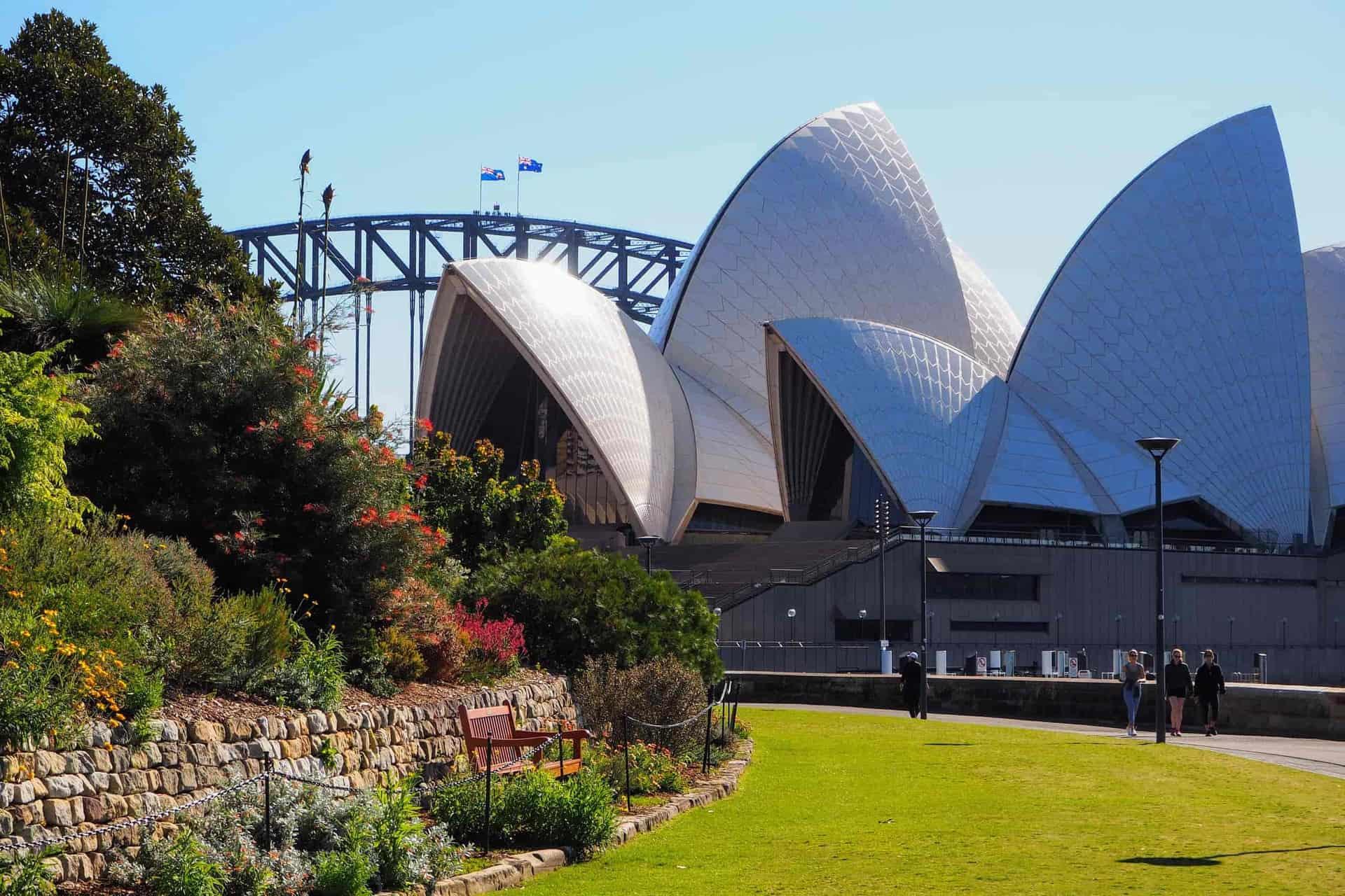 Royal Botanic Garden, Sydney Opera House and Sydney Harbour Bridge, Quay People walking tour - Local Travel Planner