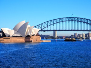 Sydney Opera House and Harbour Bridge from the Royal Botanic Garden - Quay People walking tour